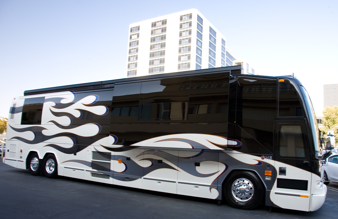 Modern Bus Royalty Free Stock Images - Image: 14248029